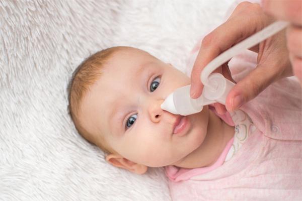 cách chữa ngạt mũi cho trẻ sơ sinh