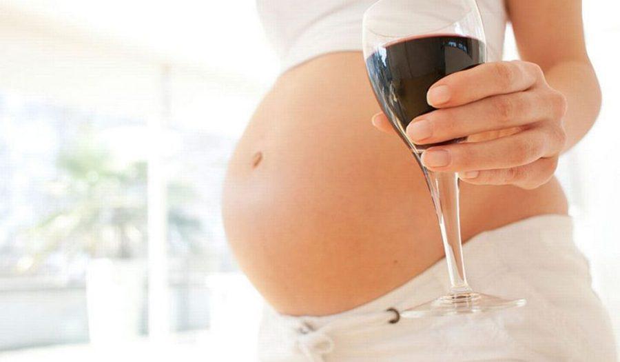 Giải đáp thắc mắc bà bầu uống rượu vang có lợi gì đối với sức khỏe?