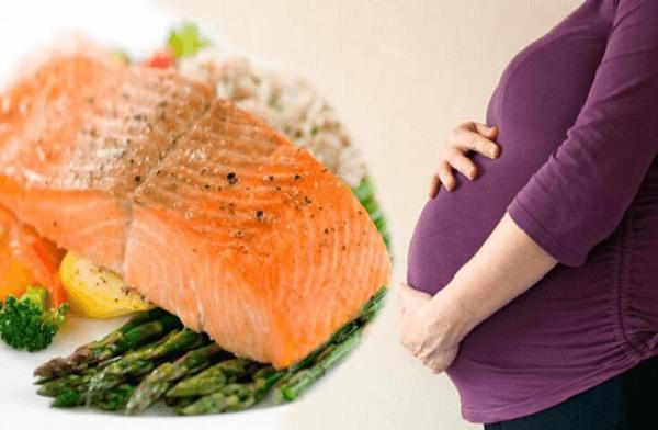 Những lợi ích khi bà bầu ăn cá hồi
